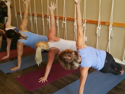 Side balance pose vasthiasana